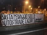 striscioni comitato ligure per le autostrade gratis