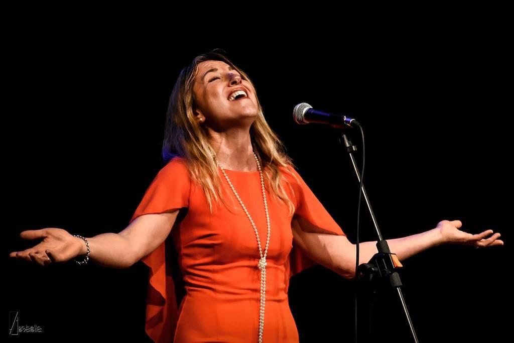 Valeria Bruzzone cantante