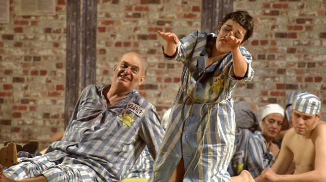 """""""Buchenwald Tosca"""" spettacolo Savona Teatro Chiabrera"""