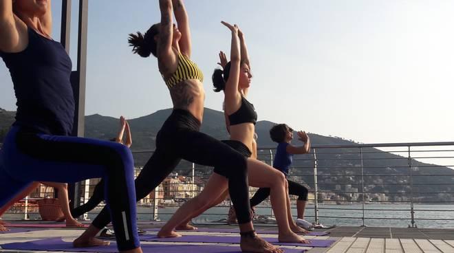 Free Yoga Alassio molo Bestoso