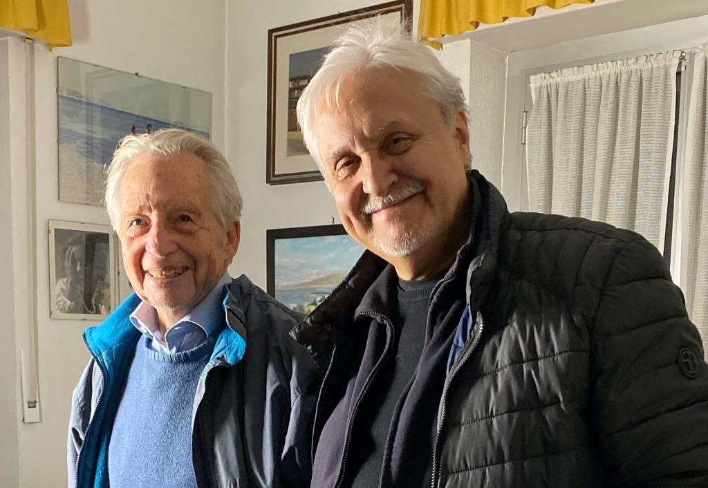 Gian Piero Alloisio cantautore e Gilberto Salmoni presidente ANED Genova