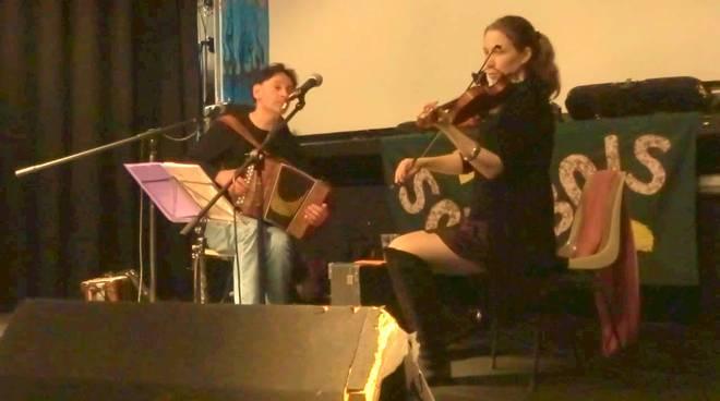 Sous Bois duo folk Helga Katharina Niederwald violino Roberto Fresia organetto diatonico