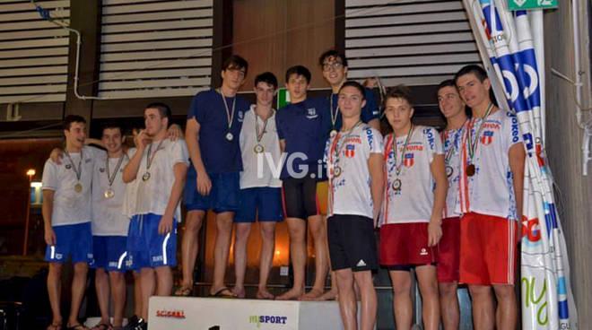 Staffetta di bronzo  per l'Amatori Nuoto Savona