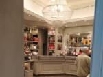 Il coronavirus svuota locali e bar a Genova