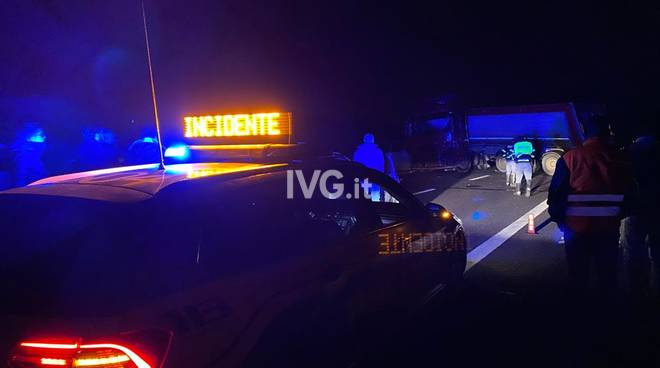 incidente autostrada6 a10 notte generica