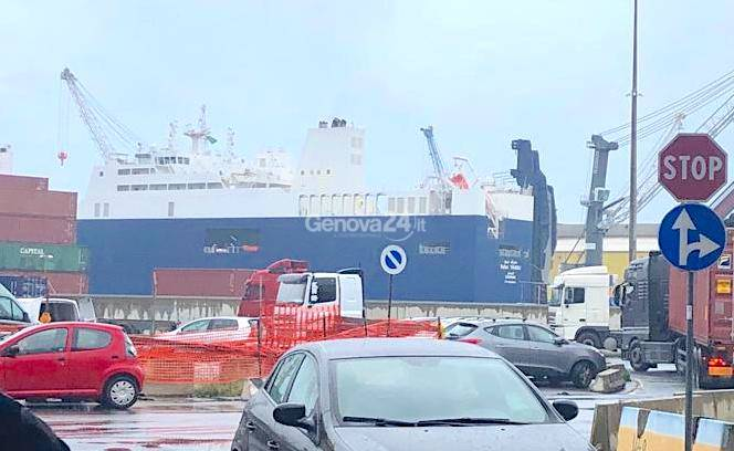 Presidio al varco Etiopia contro nave armi