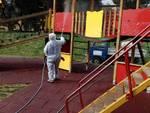 Al via la sanificazione dei parchi gioco di Loano