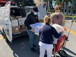 """Coronavirus, gli chef di Eataly cucinano 300 pasti per il San Martino: """"Un piccolo gesto per dirvi grazie"""""""