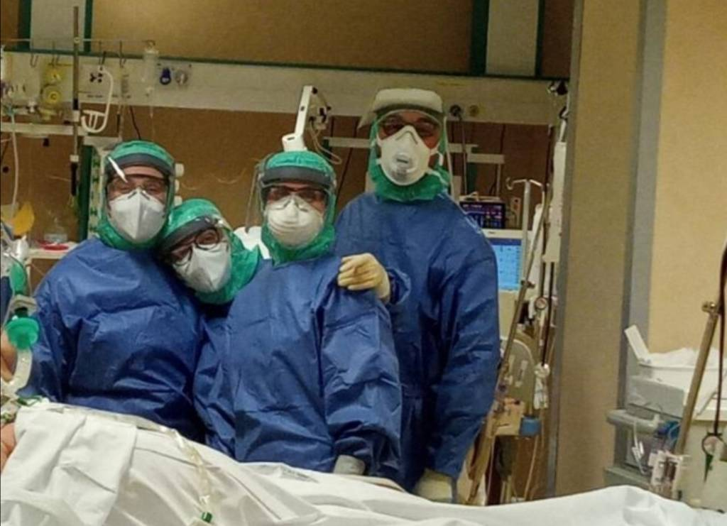 Coronavirus medici Santa Corona