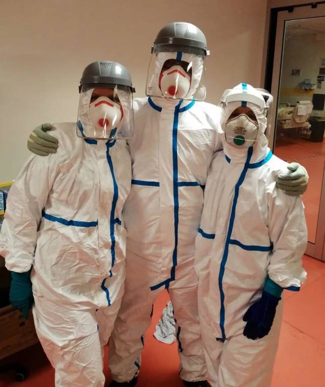coronavirus ospedali mascherine operatori sanitari medici infermieri generica