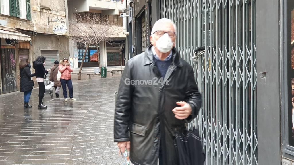 Emergenza coronavirus a Genova: mascherine, strade deserte e negozi chiusi