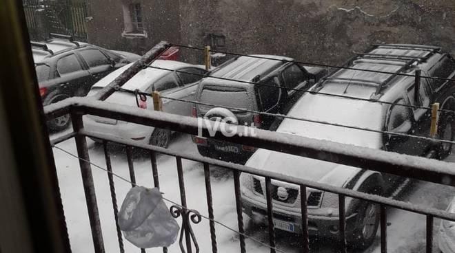 La neve fa capolino nell'entroterra savonese