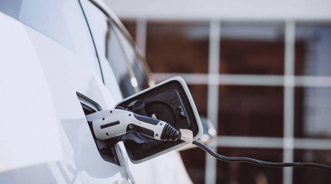 mobilità elettrica, auto elettrica,