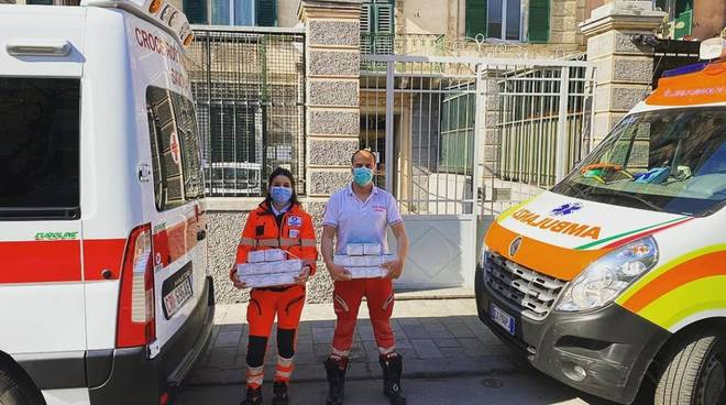 Mascherine Unione Industriali Croce Rossa Croce Bianca