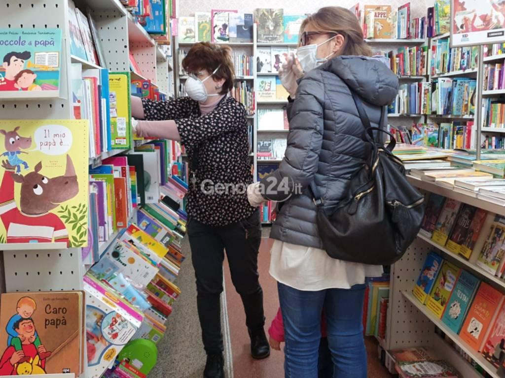 Libreria Per Libri Pesanti coronavirus, l'illusione delle librerie: a genova poche