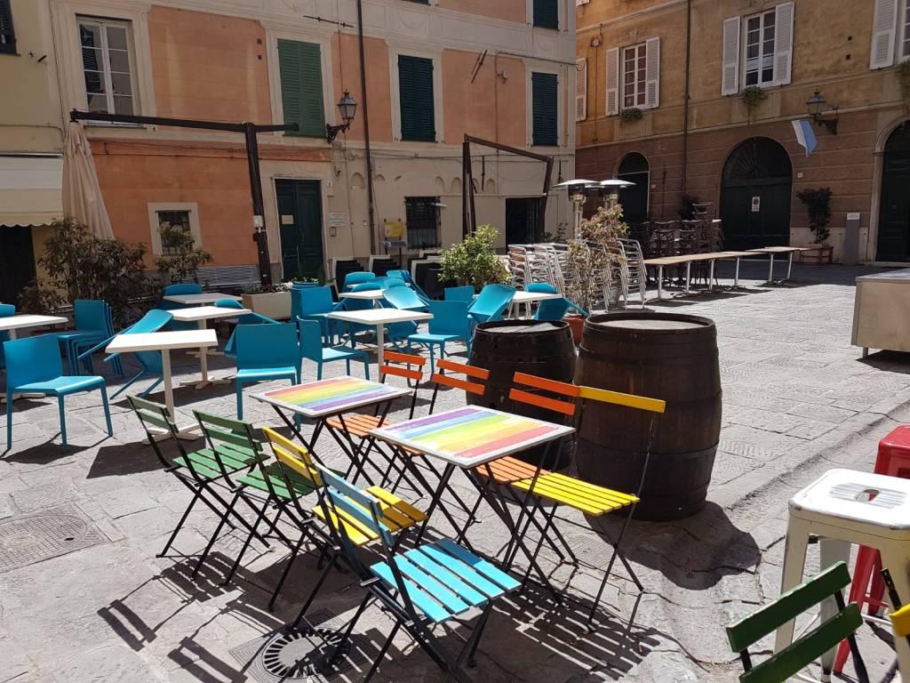 Piazza delle erbe Albenga