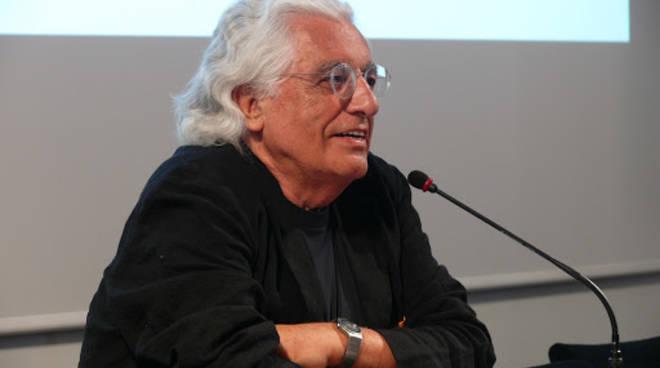 Morto Germano Celant, era il critico dell'Arte povera: ucciso dal Coronavirus