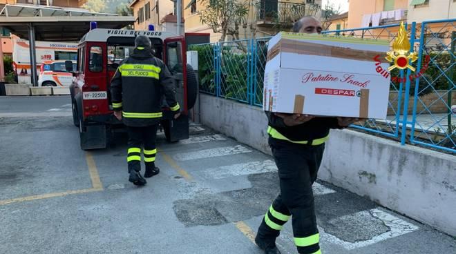 vigili del fuoco consegna raccolta alimentare