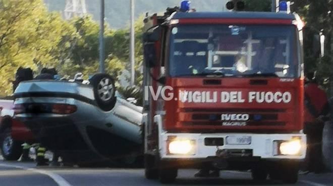 Auto ribaltata Albenga