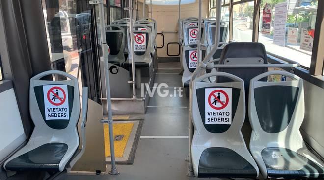 Autobus Tpl vuoto generico