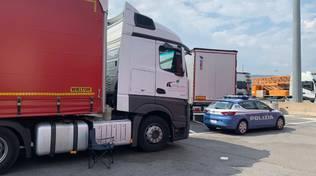 Camionista ucciso da una coltellata all'autoporto di Savona