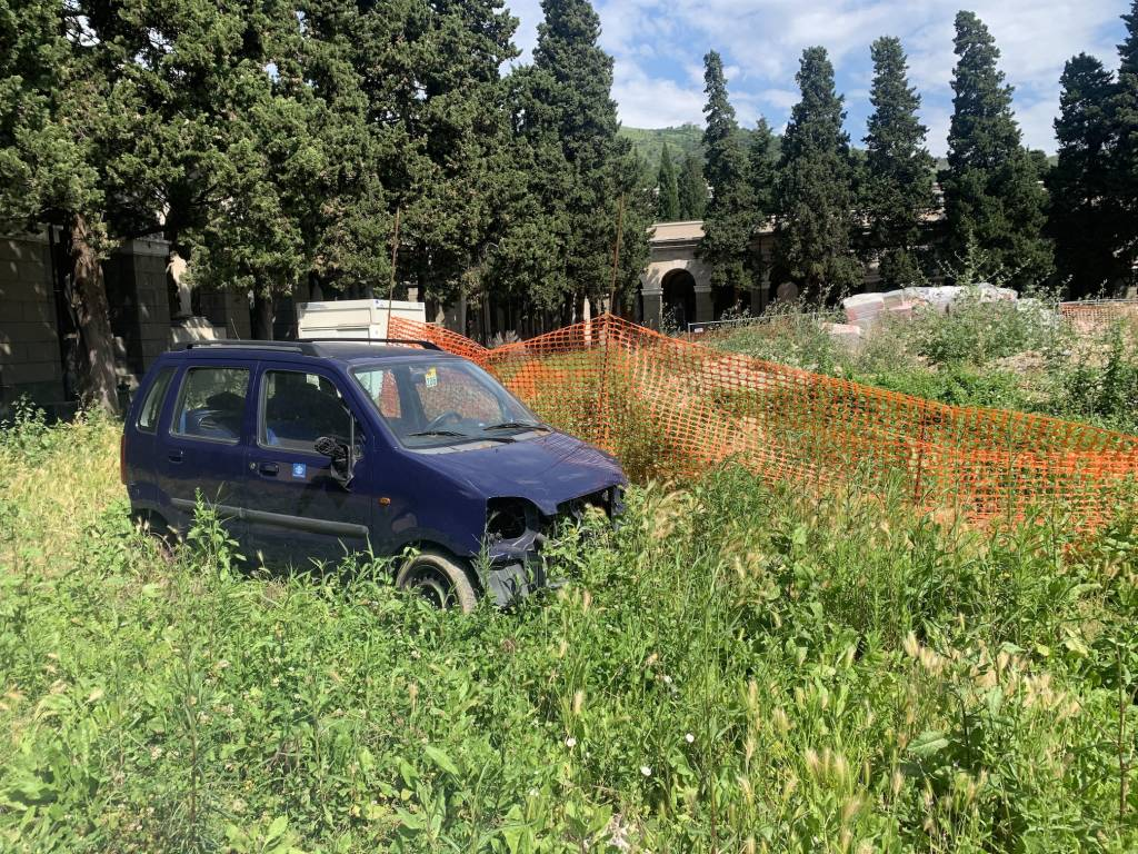 Cimitero di Staglieno discarica