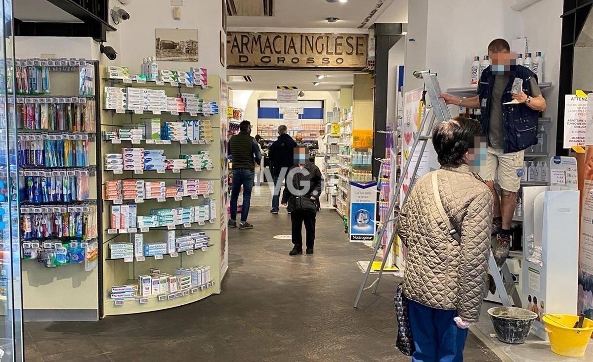 coda farmacia Saettone Savona