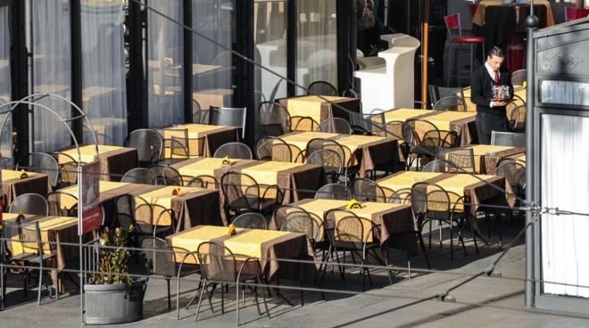 dehors, tavolini