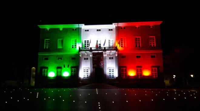 Loano municipio tricolore comune palazzo Doria