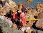 Malpasso, l'elicottero dei Vigili del Fuoco recupera un uomo caduto sulla scogliera