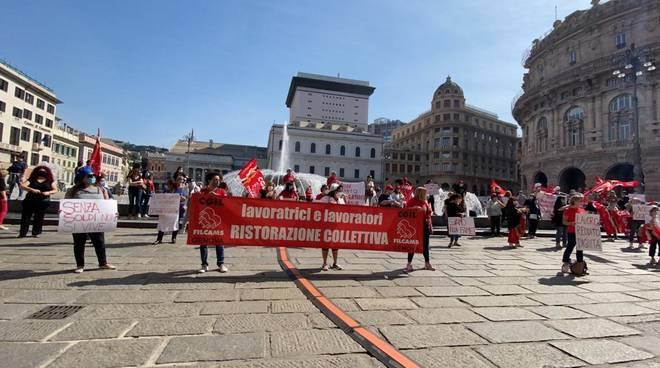 Manifestazione lavoratori mense scolastichea