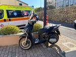 Scooter sbanda e va a sbattere contro un muro a Pietra Ligure
