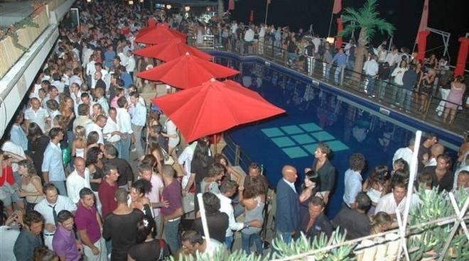 Sol Levante,inaugurazione estiva,cocktail,cena top-chef Alessandro Dentone,musica dj Angelo Beccia