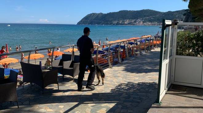 Controlli carabinieri Alassio estate generica