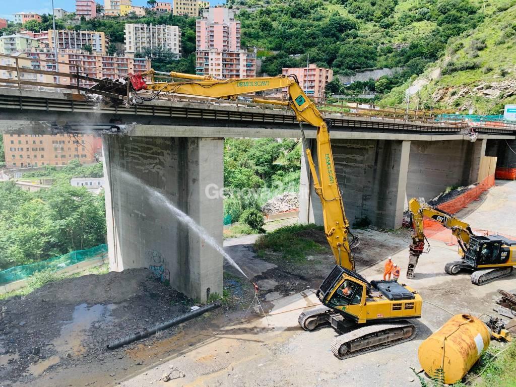 Demolizione ponte del Lagaccio