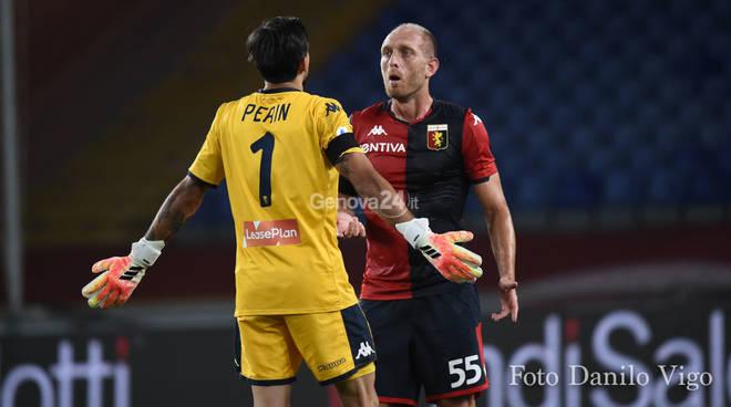 Cornelius devastante, il Parma passeggia col Genoa