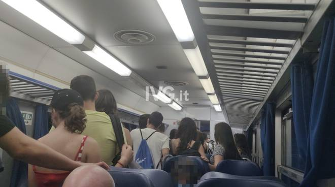pendolari treni generica