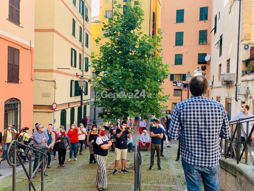 pro-sansa in piazza