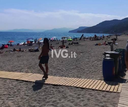 spiagge assembramenti