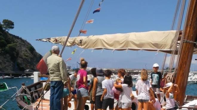 Alla scoperta del leudo e delle tradizioni marinaresche