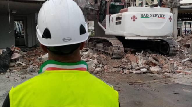 demolizione palazzina uffici Fiera di Genova