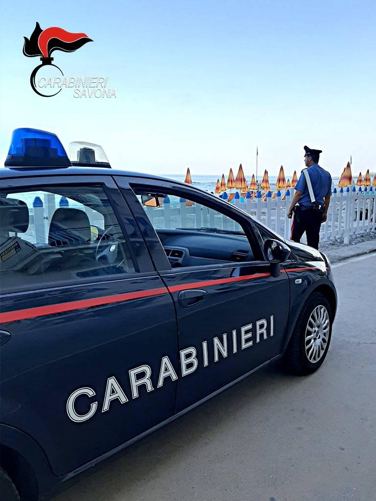 Furti spiaggia carabinieri