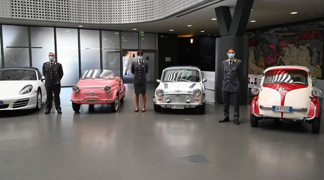 Le auto di lusso confiscate dalla guardia di Finanza donate al Museo dell'auto