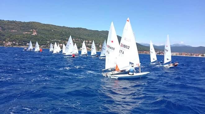 Vela, le regate giovanili della classe Laser ad Andora