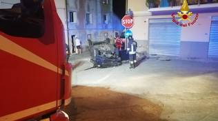 auto capottata incidente pontedecimo