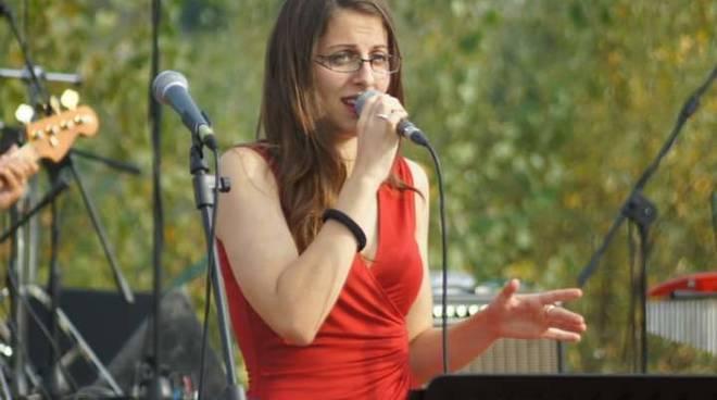 """Soleluna Village,\""""Jazz sotto le stelle\"""", concerto bebop del Giulia Rossi Trio"""