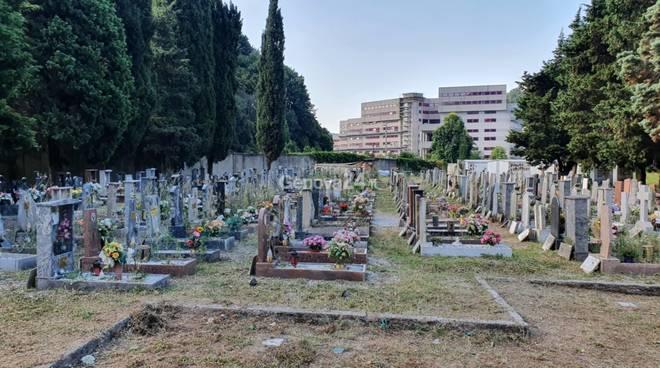 Cimitero della Biacca: tra degrado e cantieri spunta il progetto del forno crematorio