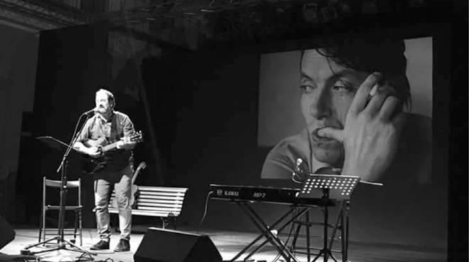 """Federico Sirianni """"Si chiamava Faber"""" spettacolo su Fabrizio De André"""