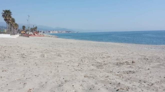 Spiaggia zinola savona