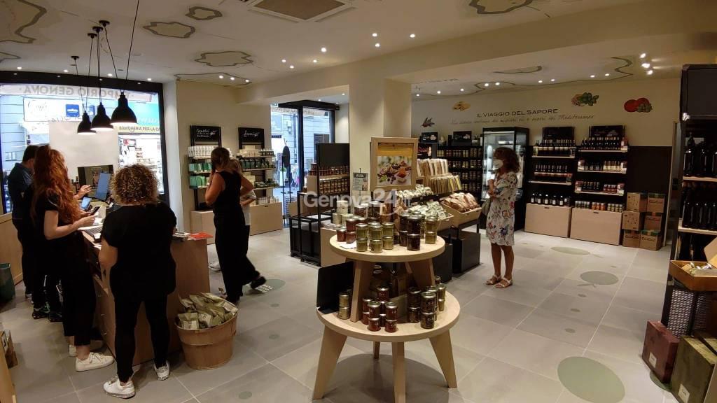 Il nuovo negozio dell'olio Carli in via San Lorenzo